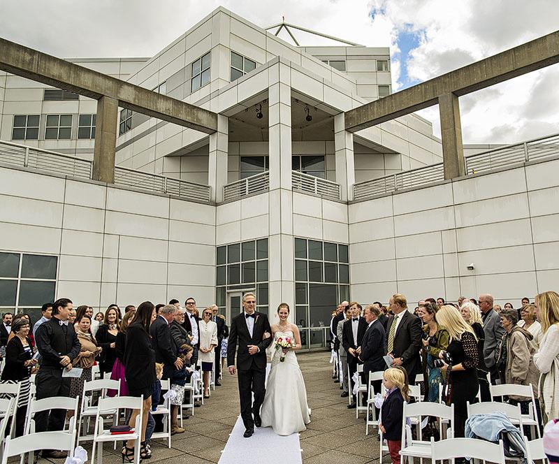 JM_Great_Lakes_Science_Center_wedding_02