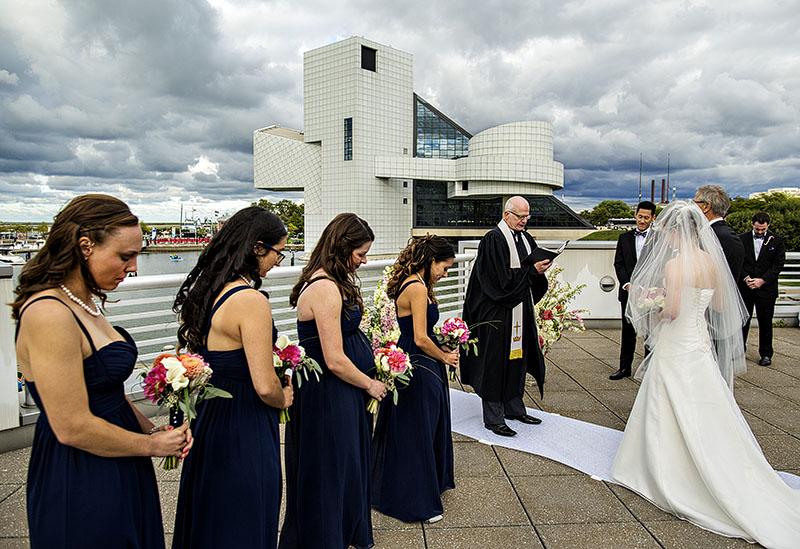 JM_Great_Lakes_Science_Center_wedding_04