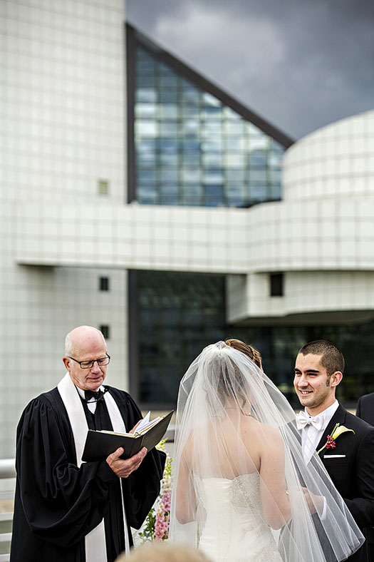 JM_Great_Lakes_Science_Center_wedding_08