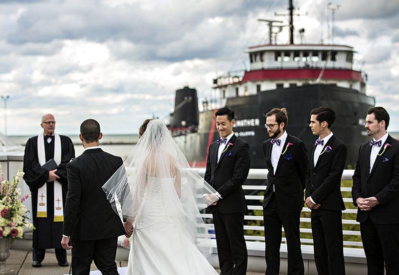 JM_Great_Lakes_Science_Center_wedding_09
