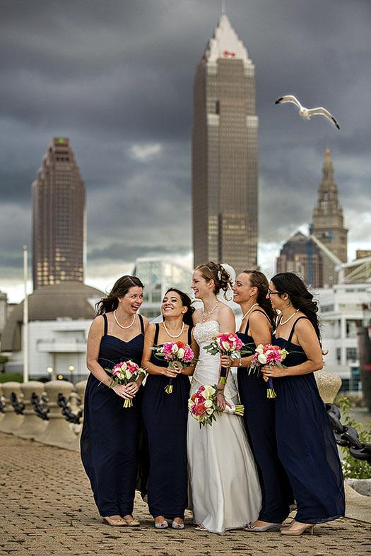 JM_voinovich_park_cleveland_wedding02
