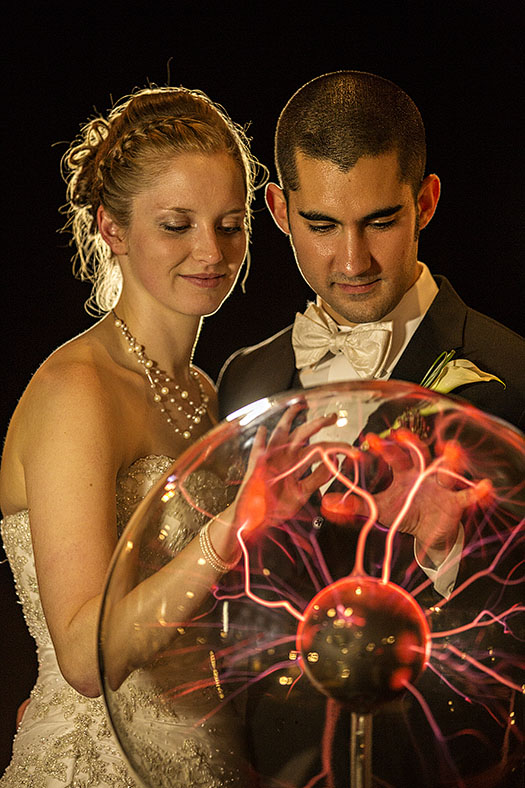 zMJ_great_lakes_science_center_wedding_08