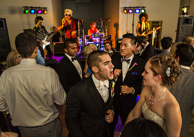 zMJ_great_lakes_science_center_wedding_14
