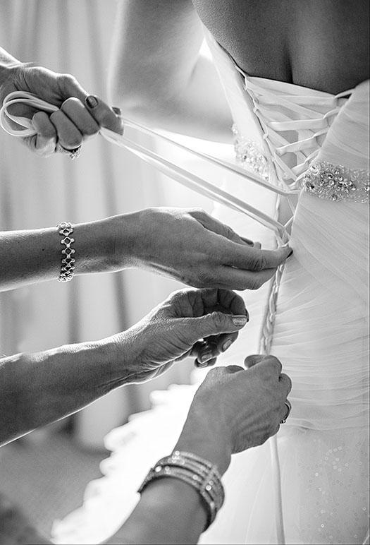 HJ-cleveland-hyatt-arcade-wedding-03c
