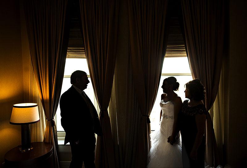 HJ-cleveland-hyatt-arcade-wedding-09b