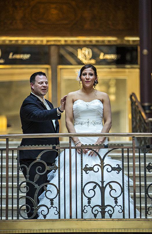 HJ-cleveland-hyatt-arcade-wedding-17