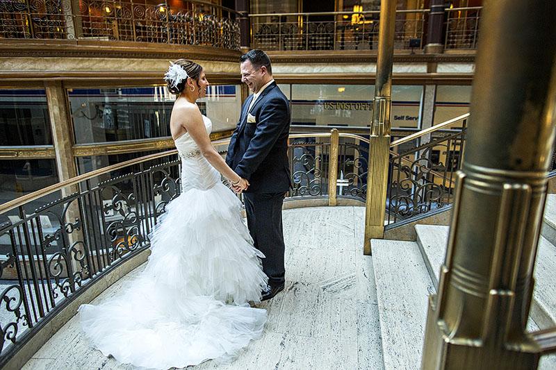 HJ-cleveland-hyatt-arcade-wedding-19