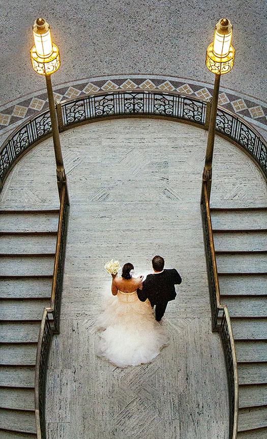 HJ-cleveland-hyatt-arcade-wedding-23b
