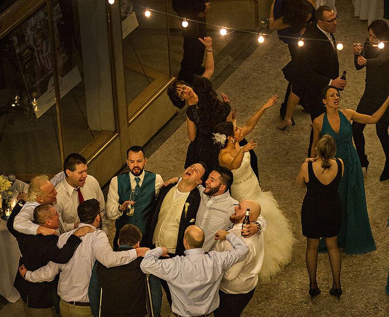 HJ-cleveland-hyatt-arcade-wedding-37