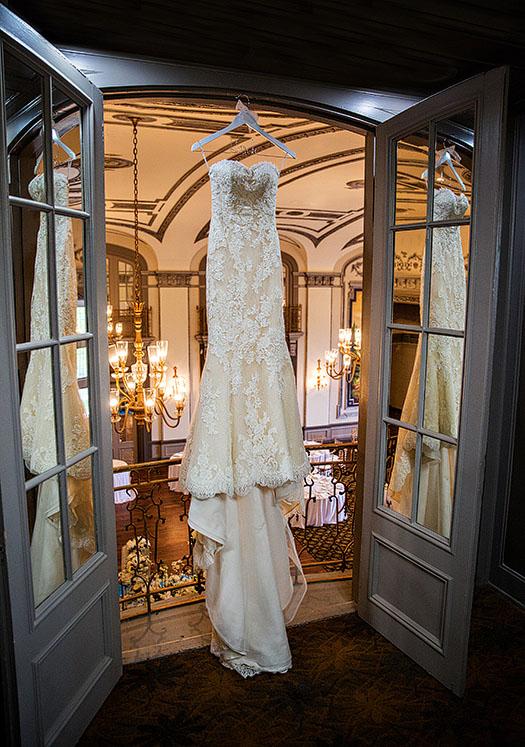 Tudor-Arms-wedding-cleveland-wedding-photographer-scott-shaw-photography-2