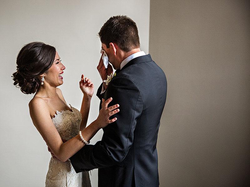 Tudor-Arms-wedding-cleveland-wedding-photographer-scott-shaw-photography-24