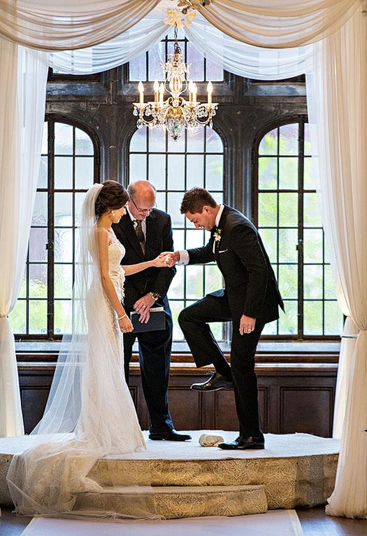 Tudor-Arms-wedding-cleveland-wedding-photographer-scott-shaw-photography-51