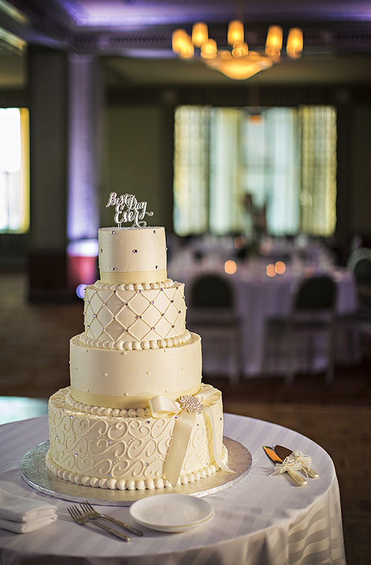 silver-grille-ritz-carlton-wedding-cleveland-wedding-photography-21