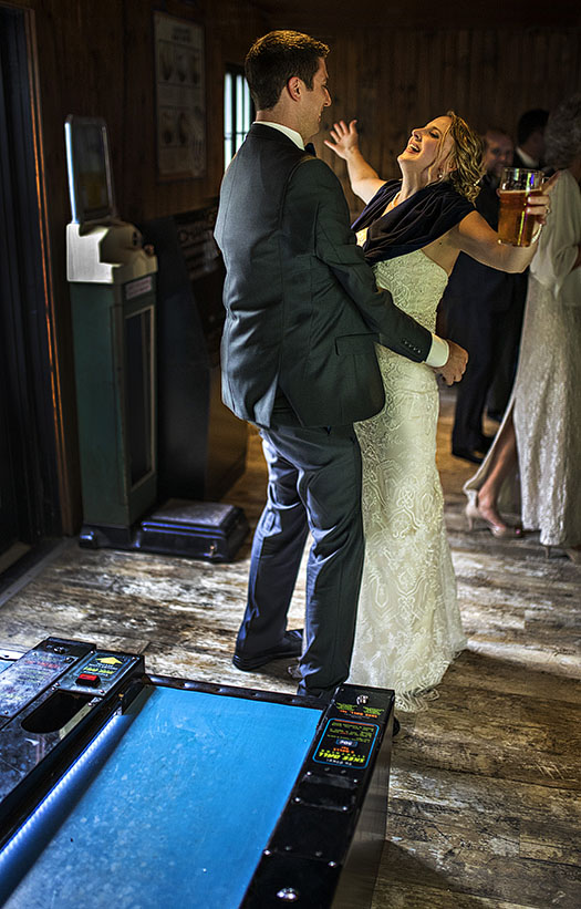 c-winking-lizard-wedding-cleveland-wedding-photography-2