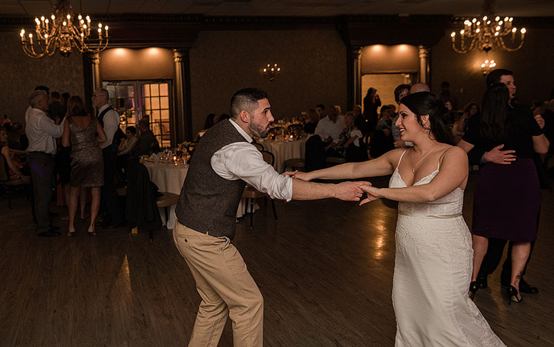 Hale-Farm-Village-Akron-Wedding-Photography-32
