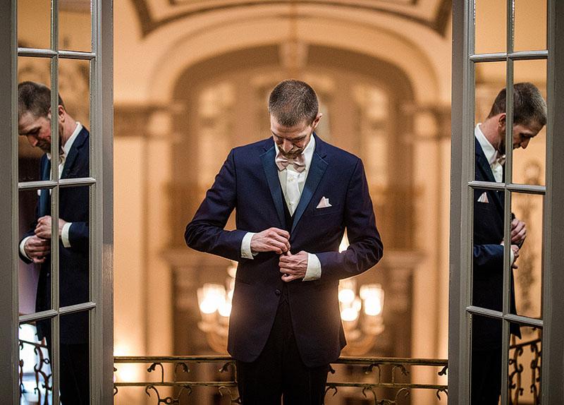 Tudor-Arms-Hotel-Doubletree-Wedding-Cleveland-wedding-photography-2