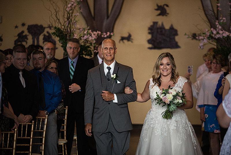 Tudor-Arms-Hotel-Doubletree-Wedding-Cleveland-wedding-photography-22