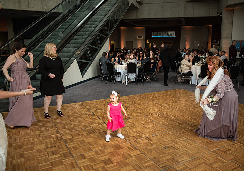great-lakes-science-center-wedding-scott-shaw-photography-35