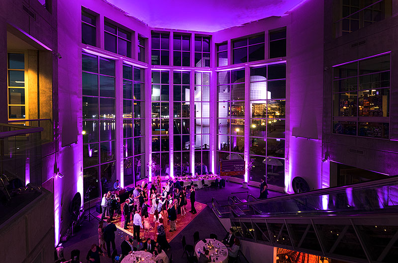 great-lakes-science-center-wedding-scott-shaw-photography-41